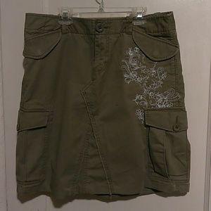 Gap l Kaki green skirt with cargo pockets size 10